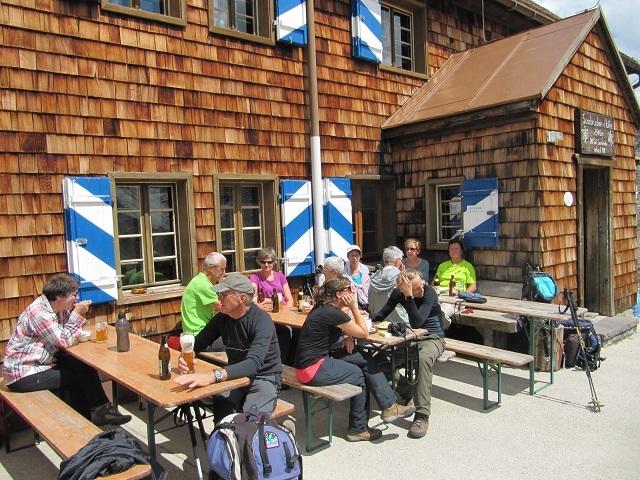 Pause déjeuner à la Saarbrücker Hütte