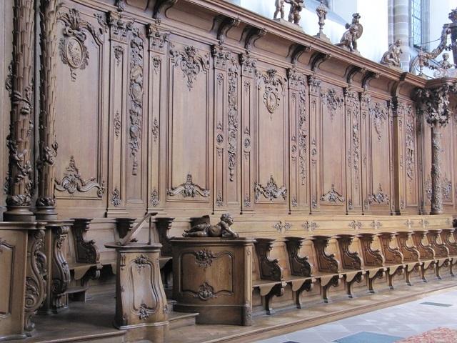 Abbaye de Marmoutier - Stalles en bois dans le Choeur