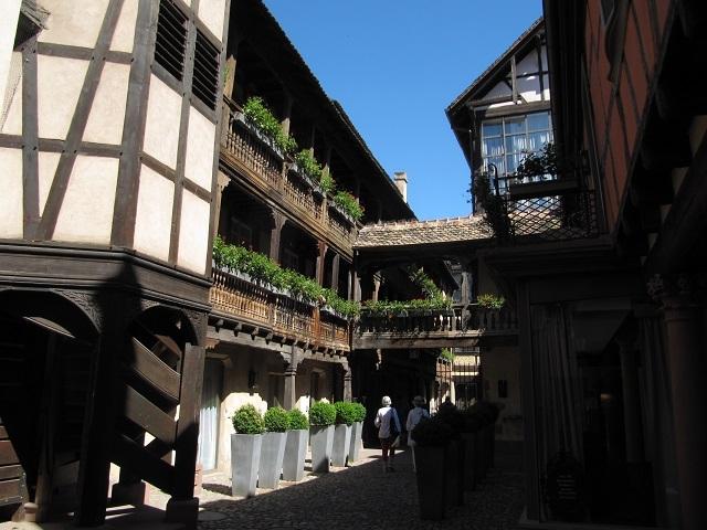 Strasbourg - La Cour du Corbeau