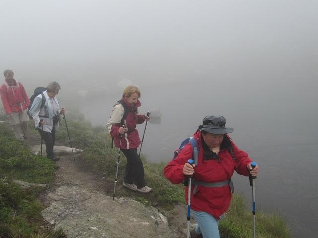 Descente vers le Kopssee dans le brouillard
