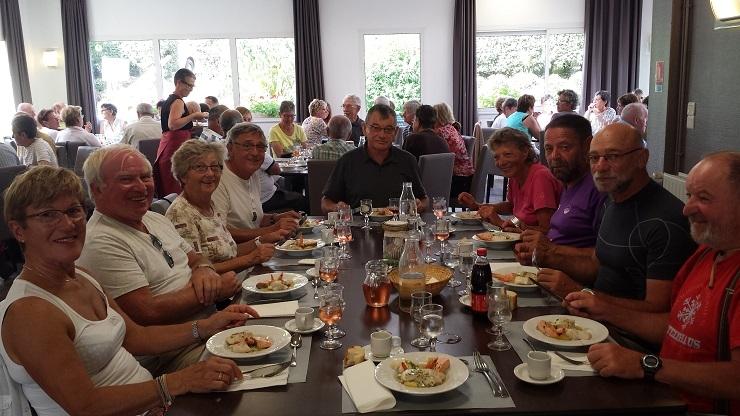 065 Repas à Kerbeuz
