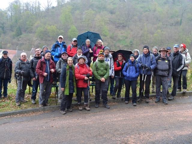 Groupe  près de la Grotte - Lutzelbourg