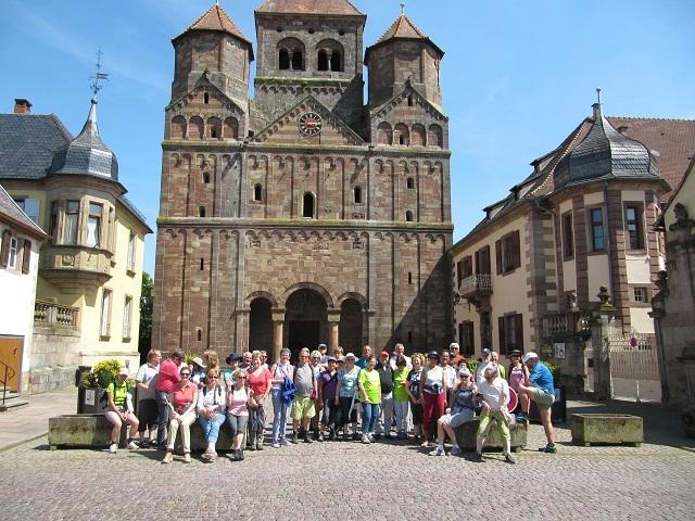 Devant l'Abbaye à Marmoutier