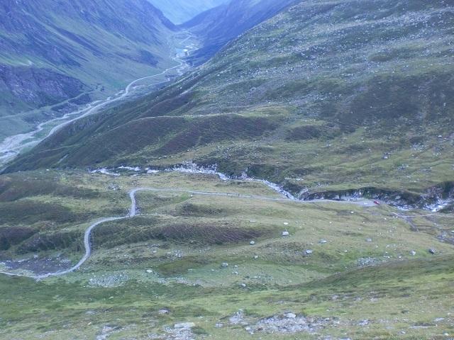 Sentier vers la Wiesbadener Hütte - Vue sur Paznauntal et Bieltal
