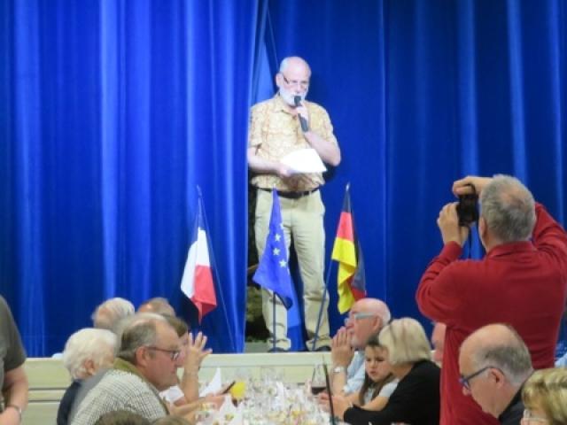le Président J-Philippe Hass accueille les convives